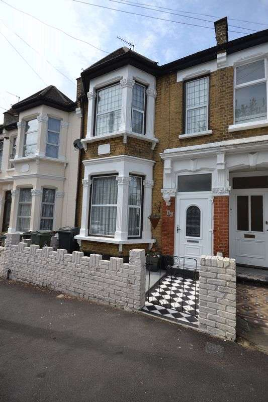 4 Bedrooms Terraced House for sale in Second Avenue, London