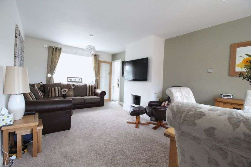 3 Bedrooms Semi Detached House for sale in Clyde Avenue, Hebburn