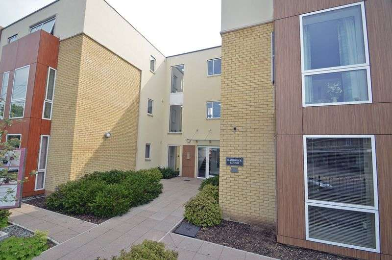 2 Bedrooms Flat for sale in High Street, Yatton