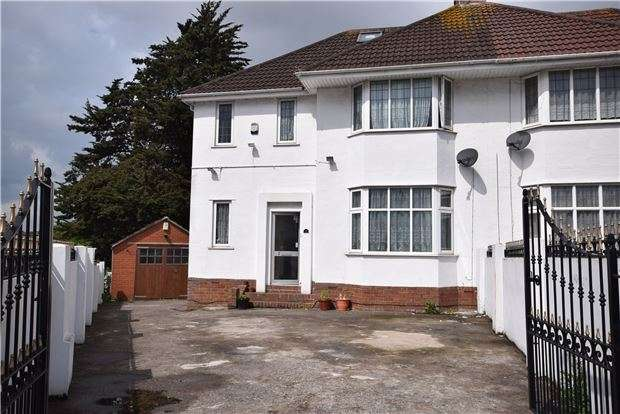 3 Bedrooms Semi Detached House for sale in Welsford Road, Stapleton, BRISTOL, BS16 1BS