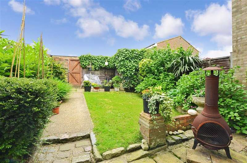3 Bedrooms Terraced House for sale in Holtye Road, East Grinstead, West Sussex