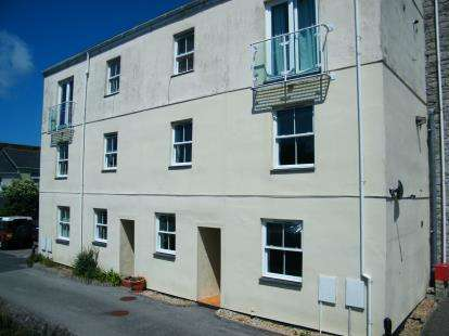 2 Bedrooms Maisonette Flat for sale in Treruffe Hill, Redruth, Cornwall
