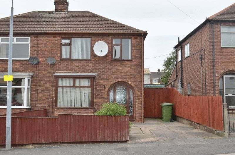 3 Bedrooms Semi Detached House for sale in Burnham Road, Scunthorpe