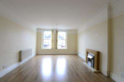 2 Bedrooms Flat for sale in Abergele Road, Old Colwyn, Colwyn Bay, Conwy, LL29