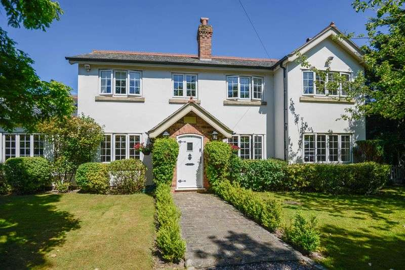 4 Bedrooms Detached House for sale in Southport Road, Lydiate
