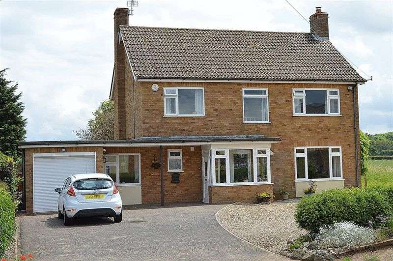 4 Bedrooms Detached House for sale in Thetford Road Watton