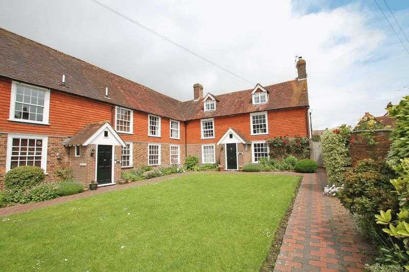 3 Bedrooms Property for sale in Heath Court, Horsmonden