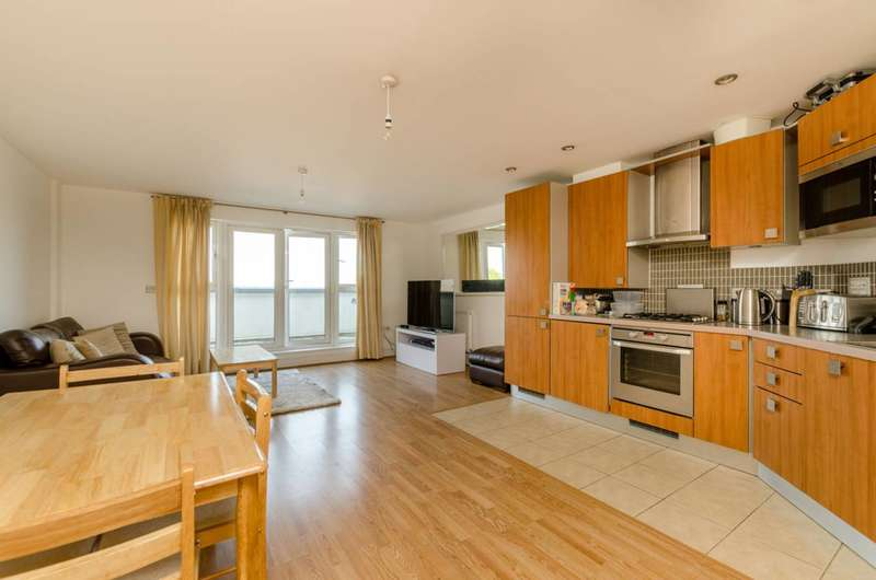 2 Bedrooms Penthouse Flat for sale in Clapham Road, Clapham North, SW9