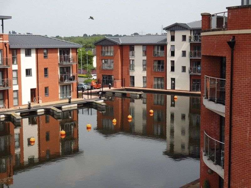 1 Bedroom Flat for sale in Larch Way, Stourport-On-Severn DY13 9FE
