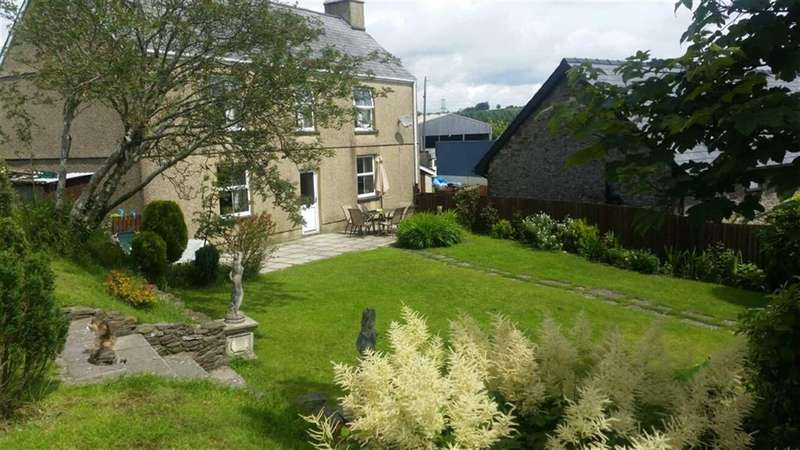 4 Bedrooms Property for sale in Llannon, Llanelli