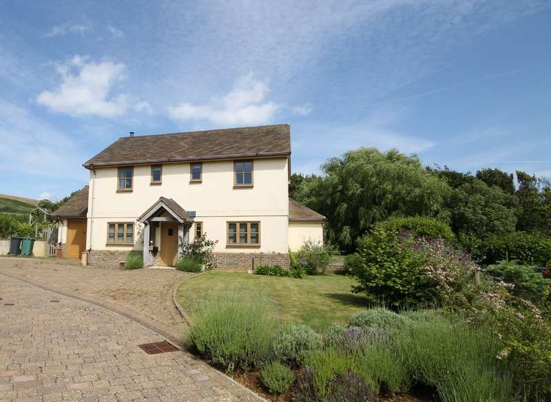 3 Bedrooms Detached House for sale in Brighstone, Isle of Wight