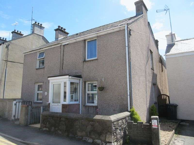 3 Bedrooms Terraced House for sale in High Street, Llannerch-Y-Medd