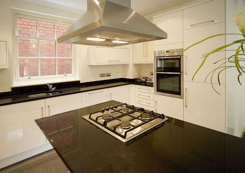3 Bedrooms Semi Detached House for sale in Patshull Mews, Patshull Hall
