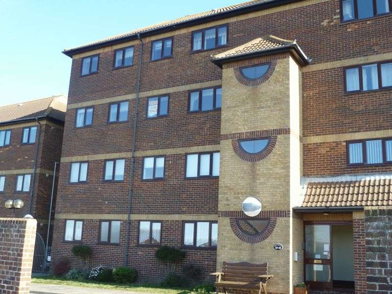 2 Bedrooms Flat for sale in 31 Queens Park Flats, Mablethorpe
