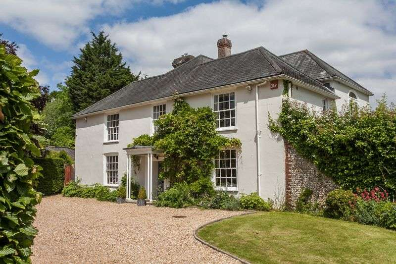 5 Bedrooms Detached House for sale in Hambledon Road, near Hambledon, Hampshire