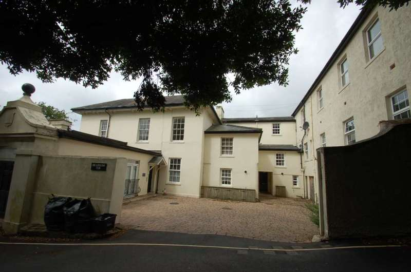 2 Bedrooms Apartment Flat for sale in Braddons Tor Upper Braddons Hill Road Torquay TQ1 1QE