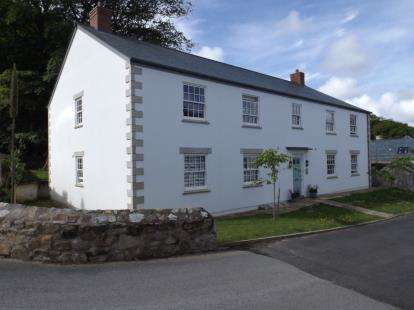 2 Bedrooms Flat for sale in Holman Park, Camborne, Cornwall