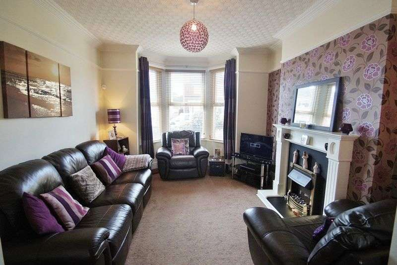 2 Bedrooms Semi Detached House for sale in Clifton Road, Southport