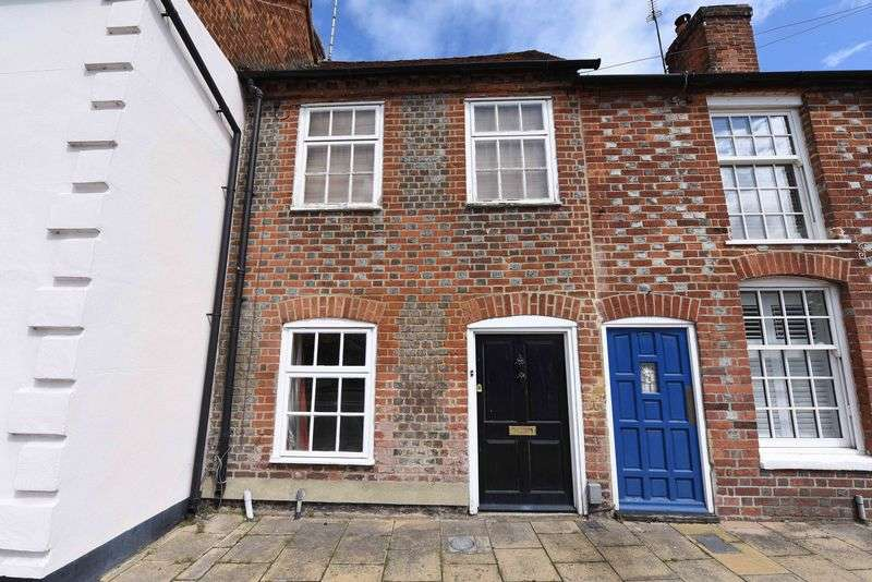 2 Bedrooms Terraced House for sale in High Street, Theale