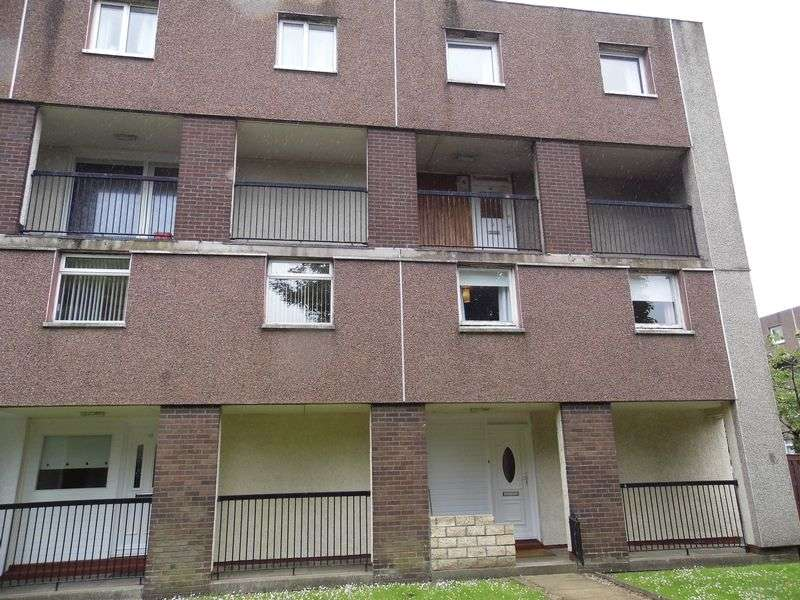 3 Bedrooms Flat for sale in Millford Drive, Linwood