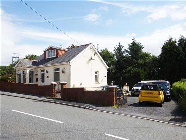 3 Bedrooms Detached Bungalow for sale in Heol-Y-Meinciau, PONTYATES, Llanelli