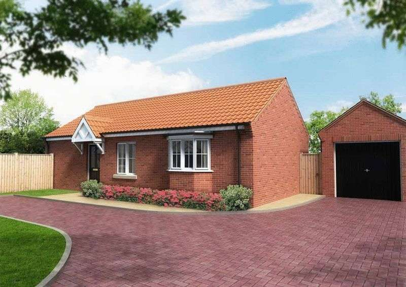 3 Bedrooms Detached Bungalow for sale in Hopton-on-Sea