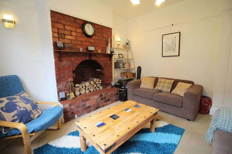 2 Bedrooms Terraced House for sale in Dunlop Street, Lincoln