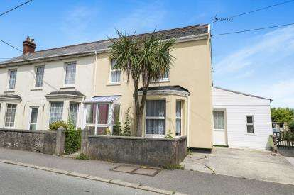 2 Bedrooms Semi Detached House for sale in Bugle, St. Austell, Cornwall