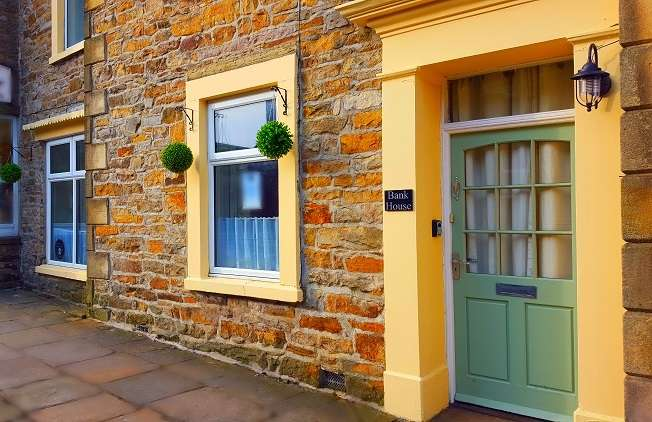 3 Bedrooms Terraced House for sale in Silver Street, Reeth, North Yorkshire, DL11