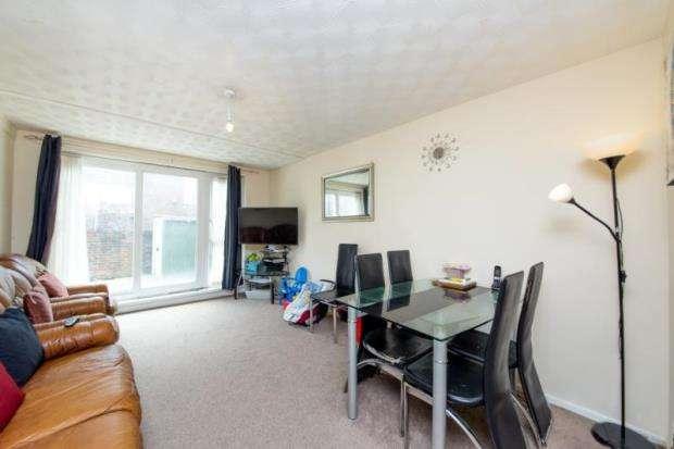2 Bedrooms Maisonette Flat for sale in Falconer Walk, London, N7
