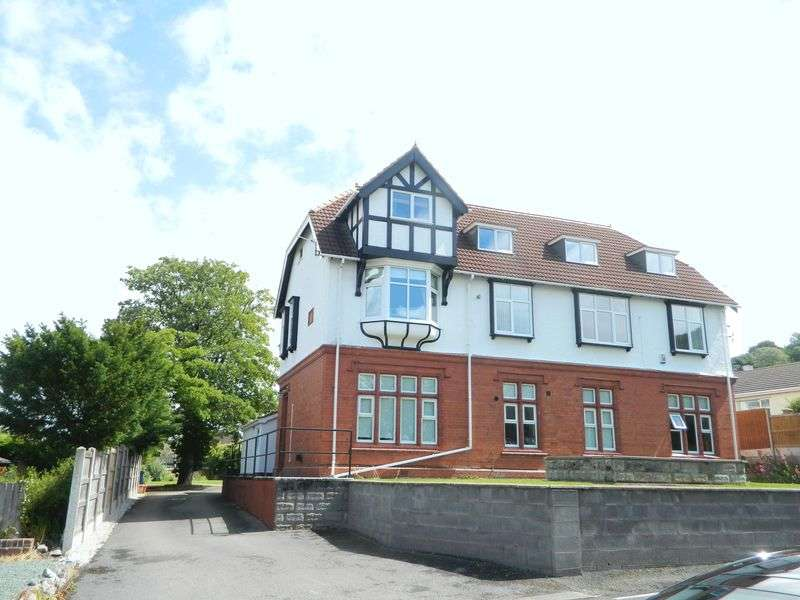 2 Bedrooms Flat for sale in Fforddlas, Prestatyn