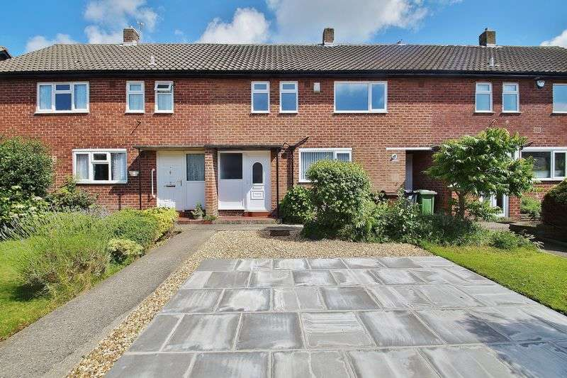 3 Bedrooms Terraced House for sale in Churchill Avenue, Southport