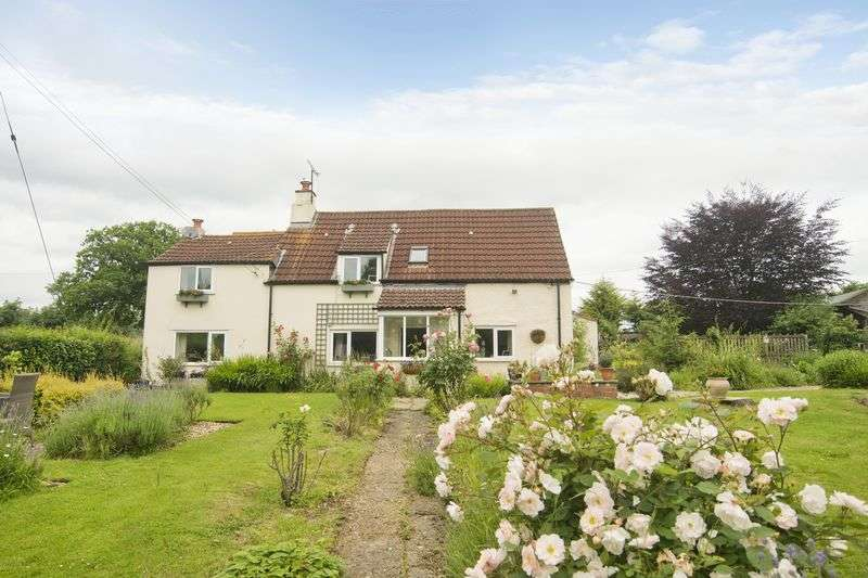 4 Bedrooms Detached House for sale in Elton, Newnham on Severn - 2 acres