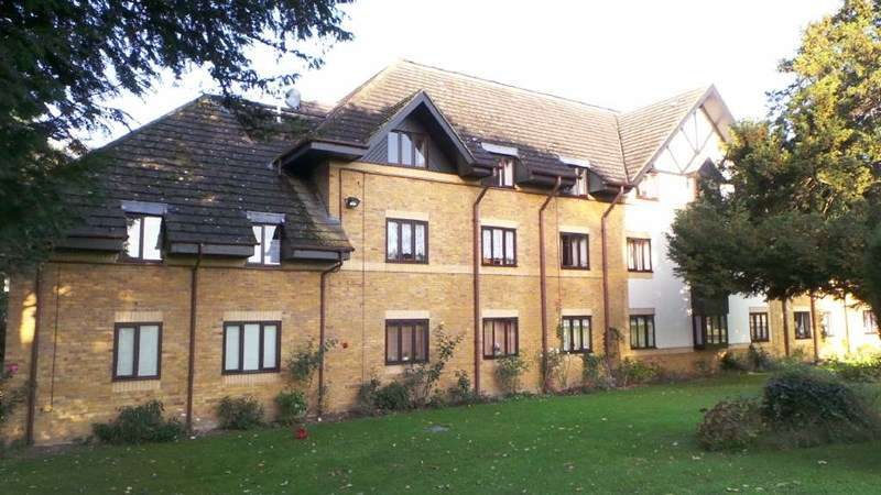 1 Bedroom Retirement Property for sale in Bishops Court, West Cheshunt