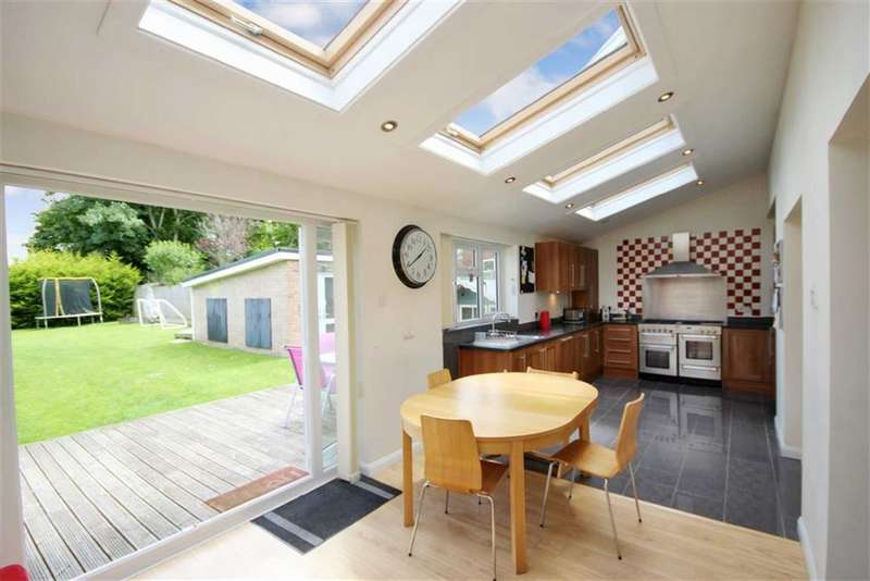 4 Bedrooms Property for sale in Braemar Close, Lawn, Swindon