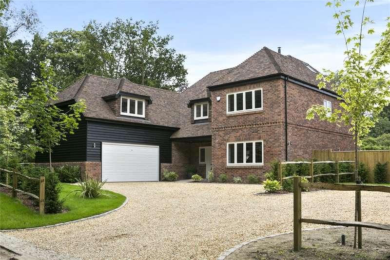 6 Bedrooms Detached House for sale in Roundabout Lane, Winnersh, Wokingham, Berkshire, RG41