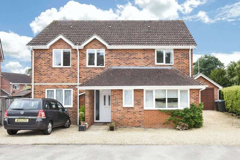 4 Bedrooms Detached House for sale in Trowbridge