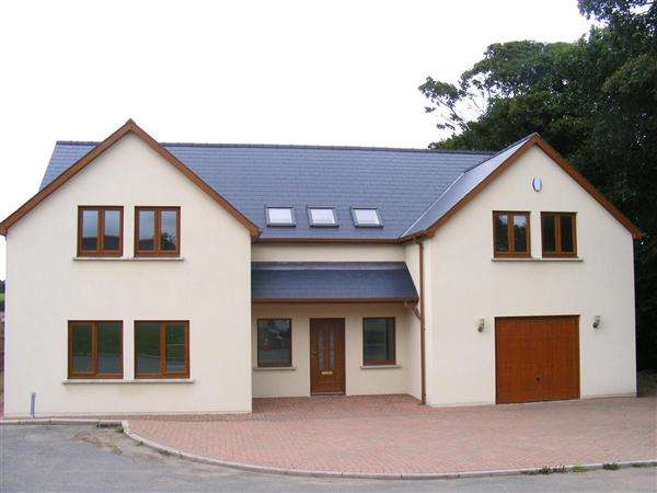 5 Bedrooms Detached House for sale in Brompton Grove, Burton, Milford Haven
