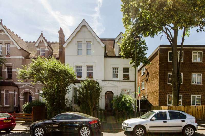 2 Bedrooms Flat for sale in West Norwood, West Norwood, SE27