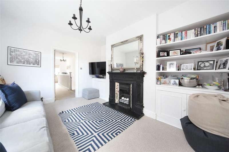 4 Bedrooms Maisonette Flat for sale in Strickland Row, Wandsworth, London, SW18