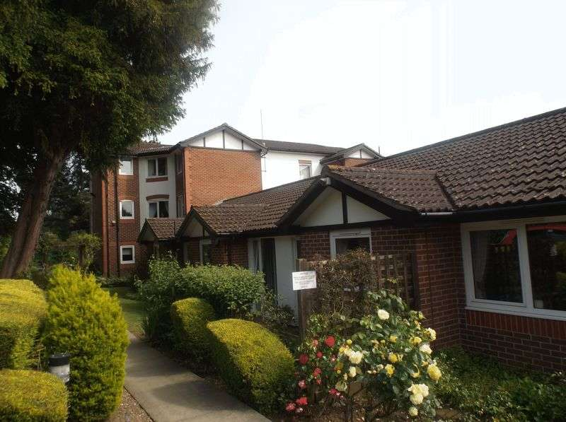 1 Bedroom Flat for sale in Barden Court,St. Lukes Avenue, Maidstone: One bed first floor retirement apartment