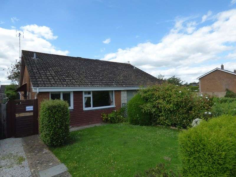 2 Bedrooms Semi Detached Bungalow for sale in Swift Road, Gloucester