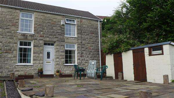 3 Bedrooms Semi Detached House for sale in Station Cottages, Trealaw, Trealaw