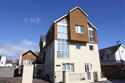 2 Bedrooms Maisonette Flat for sale in Curledge Street, Paignton