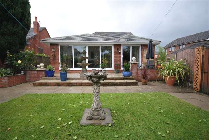 3 Bedrooms Bungalow for sale in Gidlow Lane, Springfield, Wigan, WN6