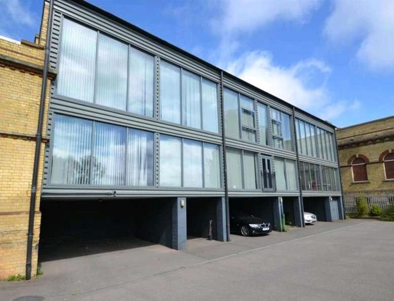 2 Bedrooms Flat for sale in The Pump House Cottage Industrial Estate Forstal Road, Aylesford, ME20