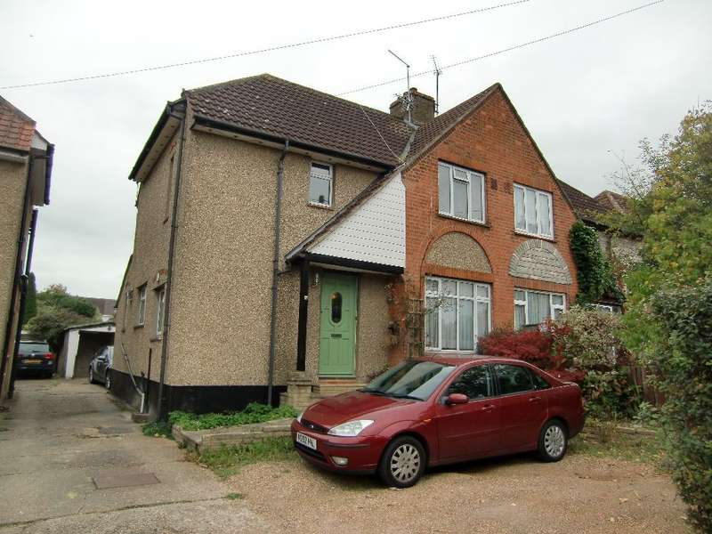 3 Bedrooms Semi Detached House for sale in Langley Lane, Abbots Langley, Herts, WD5