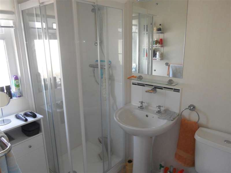 2 Bedrooms Park Home Mobile Home for sale in Millers Way, Harrietsham, Maidstone, Kent