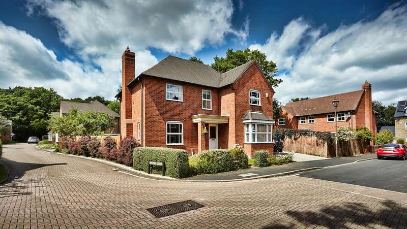 4 Bedrooms Property for sale in Meadow Pleck Lane, Shirley, Solihull