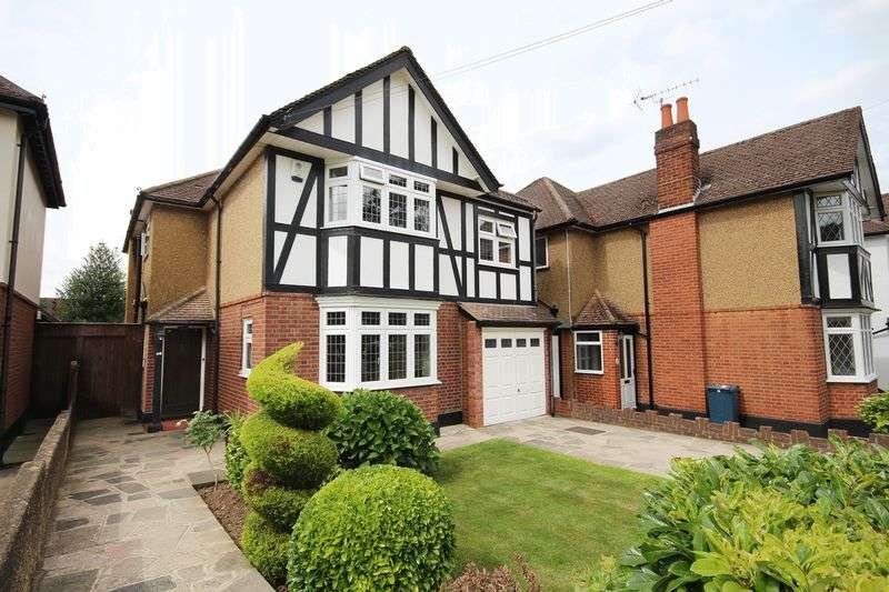 4 Bedrooms Detached House for sale in Park View, HATCH END